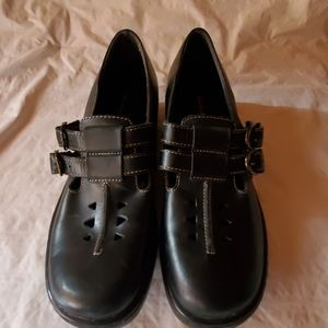 Naturalizer black leather shoes size 8N